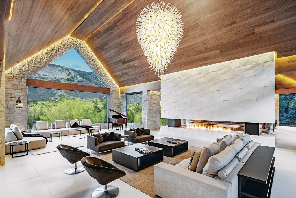 As Good as it Gets: The Colorado Luxury Home with Ski-In Access