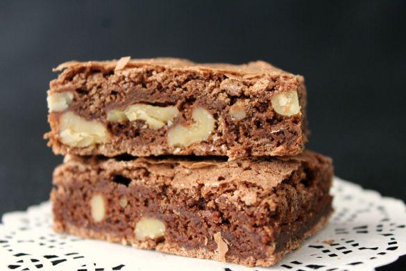 Mokka-Brownies mit Walnüssen