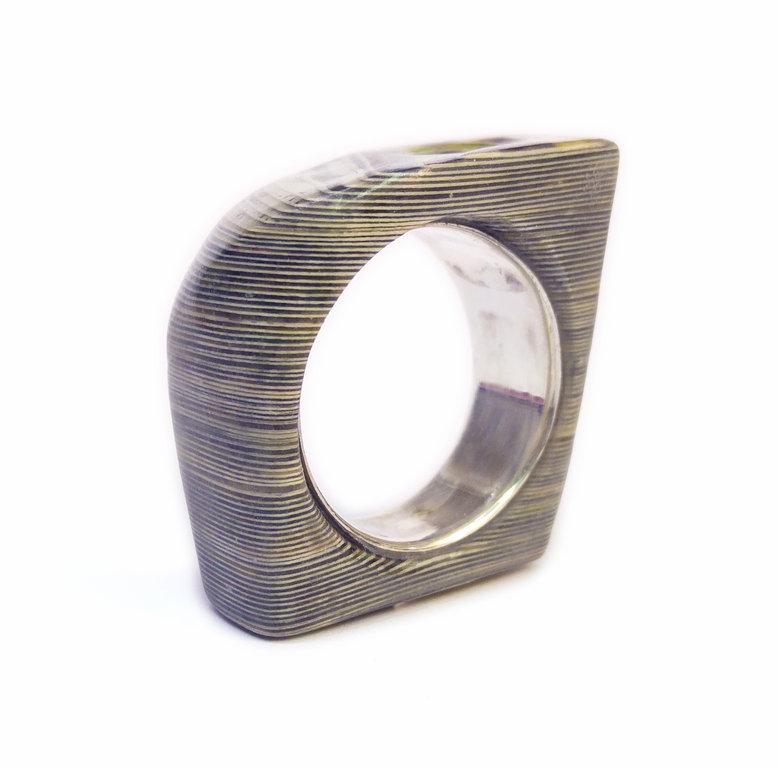 Ring Form 204 Gr 57  Schmuck und Objekte aus Bchern und