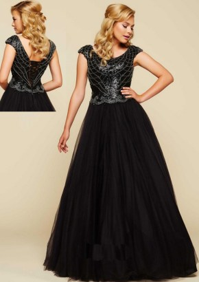 Black-ballgown-with-corset-back