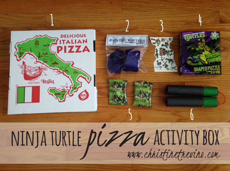 What's inside the Ninja Turtle Pizza Activity Box