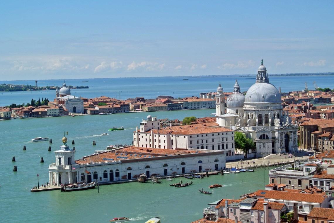 Blick vom Campanile auf Venedig