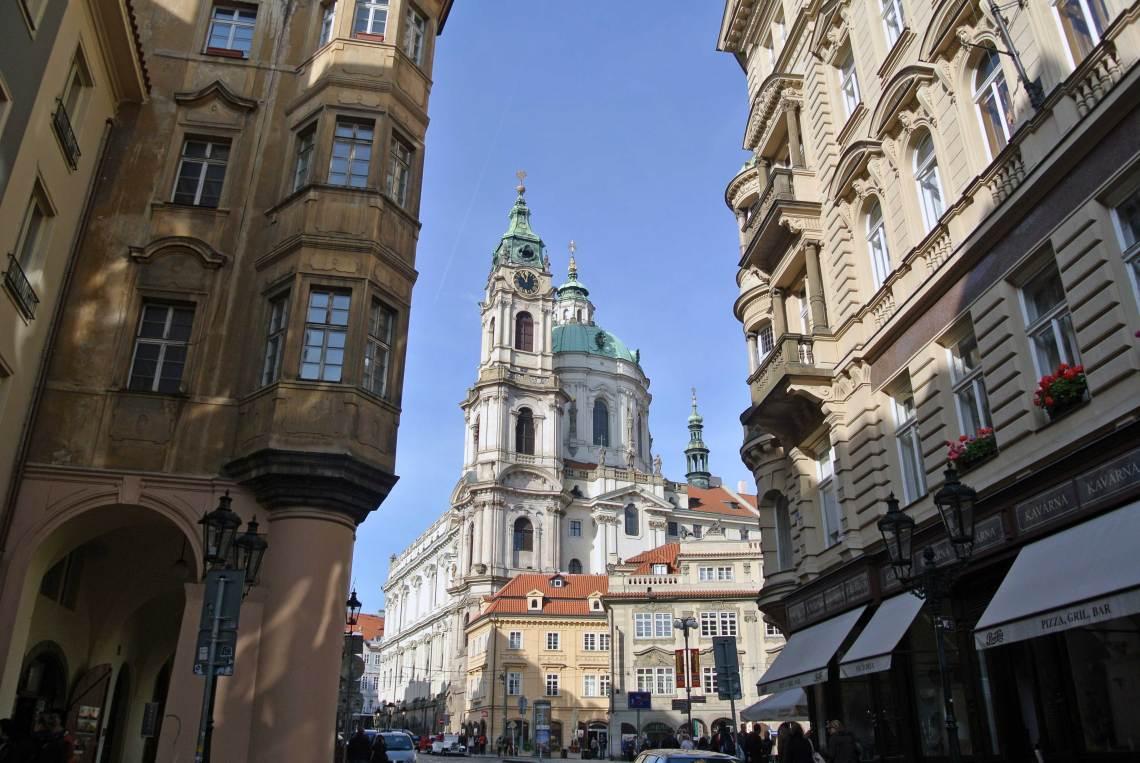 Hinauf auf die Prager Burg