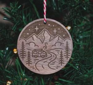 xmas tree decorations travel