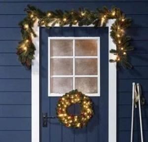 xmas outdoor wreath