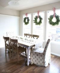 17 Ways to Decorate Inside With Christmas Wreaths ...