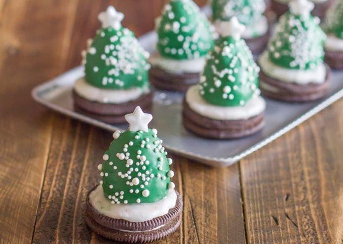 No-Bake Christmas Tree Cookies - Christmas Kitchen