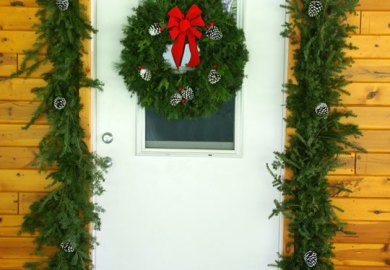 Christmas Decorations Wreaths And Garlands