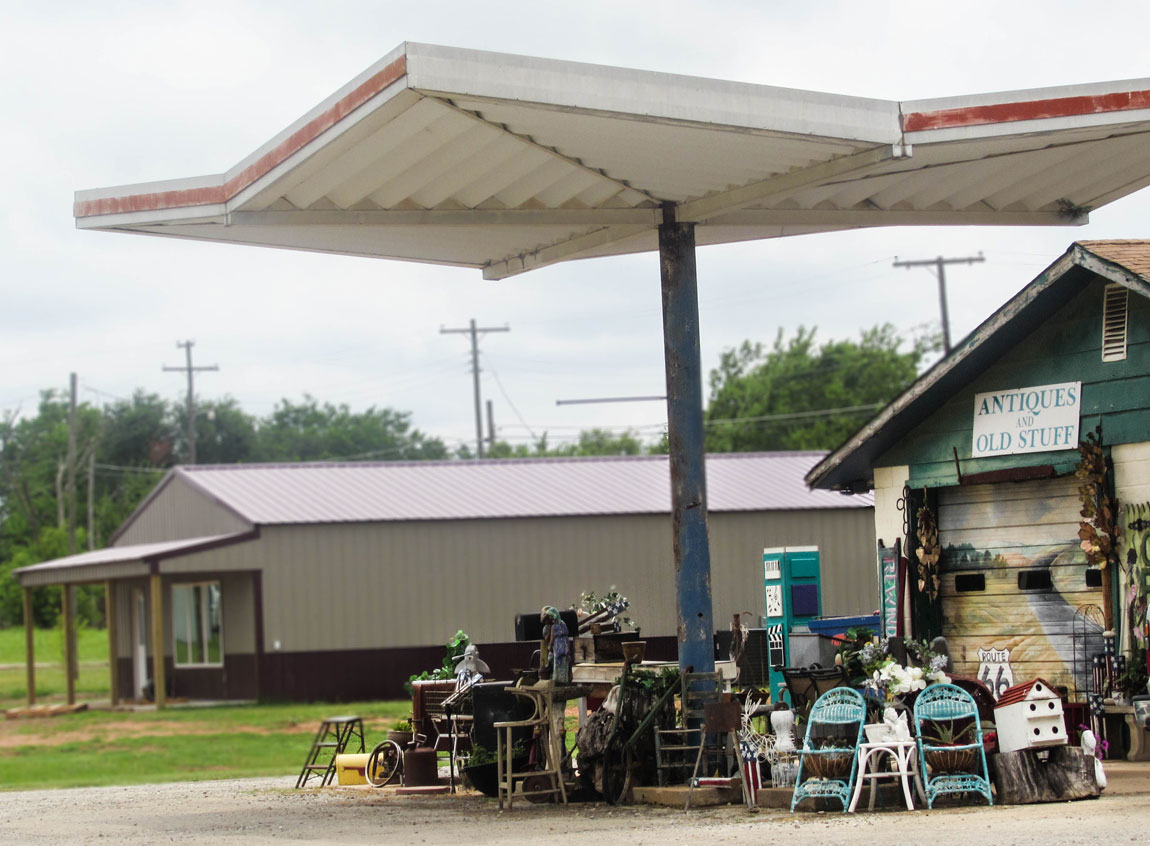 Antique Shop Davenport - Route 66 Oklahoma: All Towns and Attractions to See - Christobel Travel