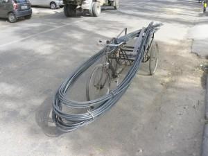 Was man nicht so alles auf dem Rad transportieren kann, wenn man es nur richtig verpackt ...