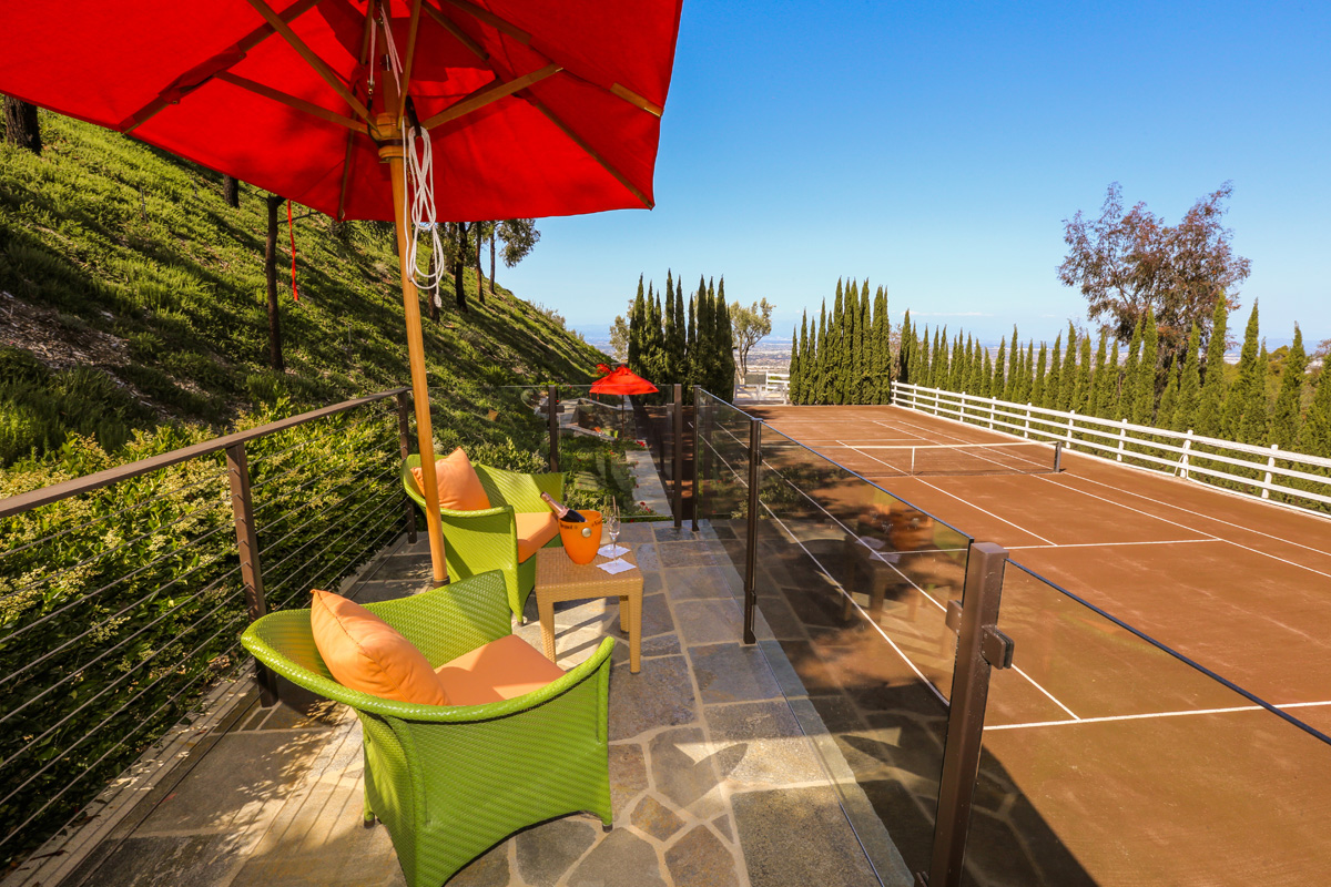 BLOG_8 RE-outdoor clay tennis court