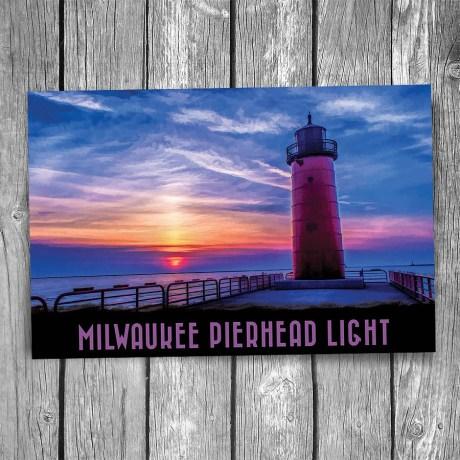 19-01-18-Milwaukee-Pierhead-Lighthouse-Postcard