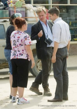 Christopher Nolan et Topher Grace pendant le tournage d'Interstellar à Lethbridge