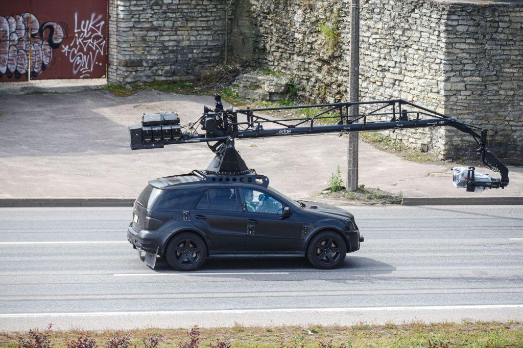 Christopher Nolan pendant le tournage de Tenet sur Laagna tee, Estonie, le 11 juillet 2019