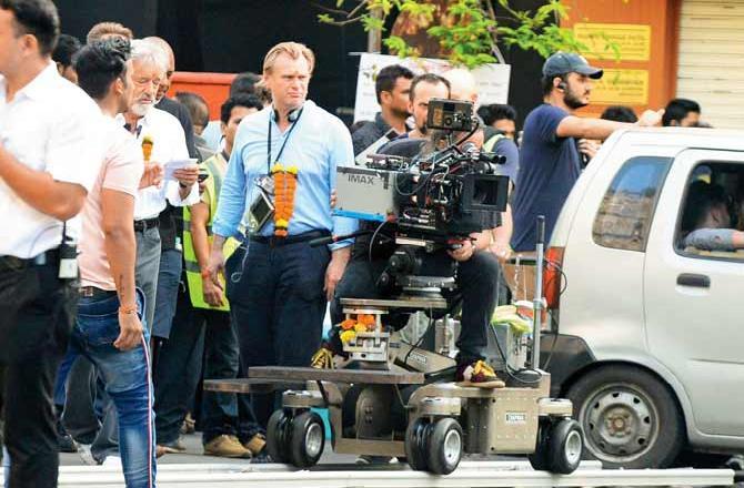 Christopher Nolan pendant le tournage de Tenet à Mumbai, Inde, le 16 septembre 2019