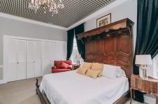 Lions Den Room - Christopher Place Resort 5