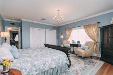 Mountain Sunrise Room - Christopher Place Resort - 6