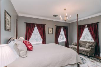 Smoky Spring Room - Christopher Place Resort - 1