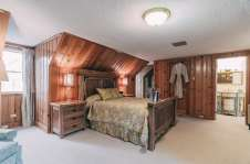 Woodland Escape Room - Christopher Place Resort 4