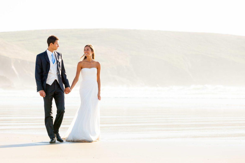 photos de couples a la Baie des Trépassées Audierne Douarnenez photographe de mariage à Quimper Brest