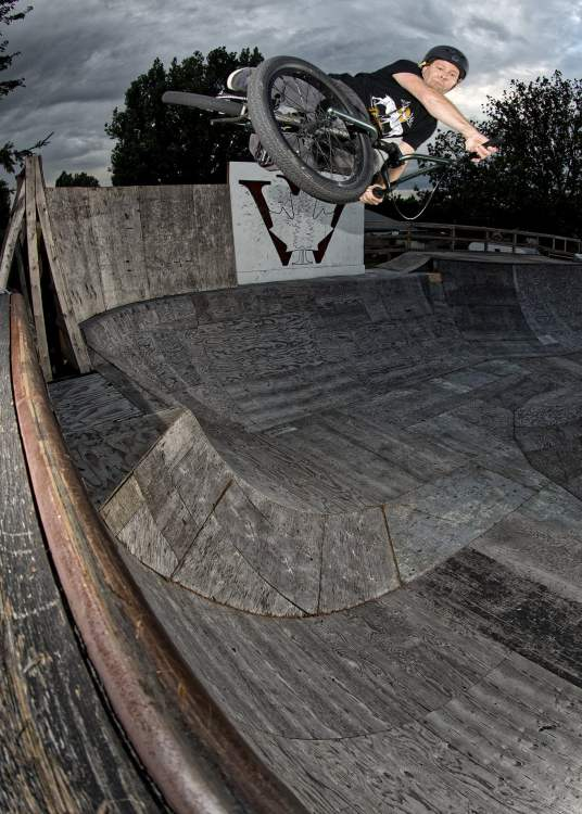 Chris Young downside table at the Woodyard ramps, shot by Ken Paul