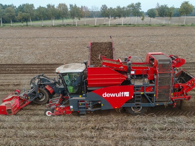توريد-اله-حصاد-البطاطس-متعددة-الاستخدام