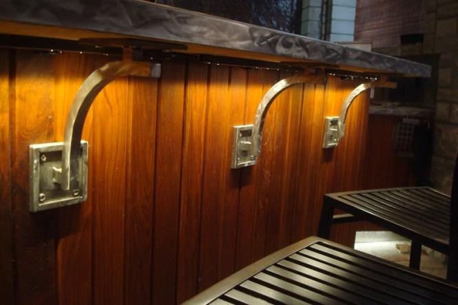 Corbels for granite countertops bstcountertops for Modern corbels for granite countertops
