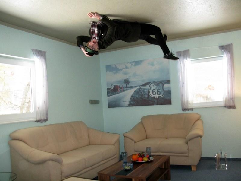 Upside down house rugen (6)