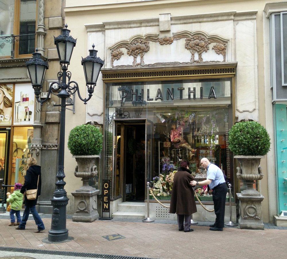 philanthia budapest store (1)