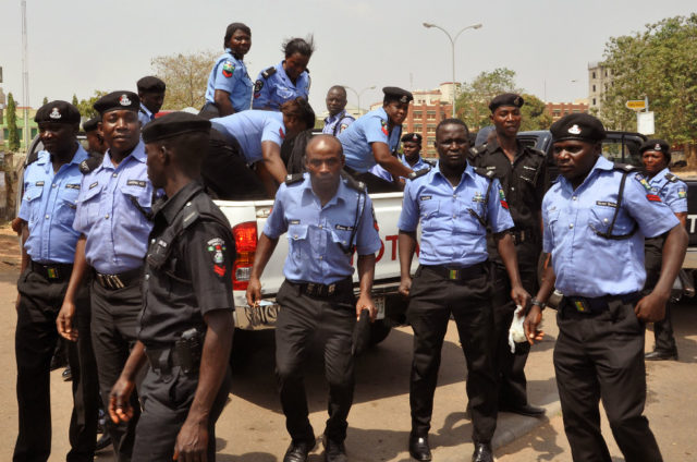 Nigerian Mobile policemen have protested non payment of allowances