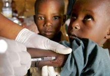 A-child-takes-meningitis-vaccine