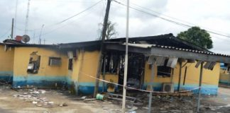 Federal Airports Authority of Nigeria Headquarters gutted by fire in Lagos on Tuesday (11/4/017)