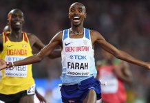 Sir Mo Farah celebrates winning gold in the 10,000m final at the 2017 World Championships