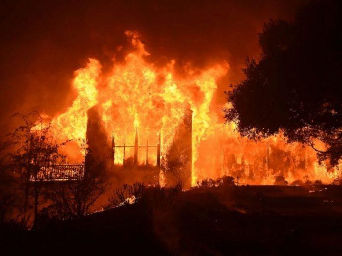 Fire razes shops in Ondo market