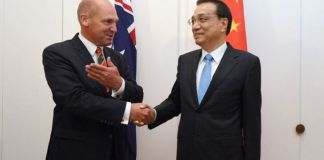 Australian Senate President Stephen Parry with Chinese Premier Li Keqiang earlier this year