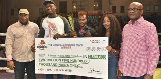 "Rilwan 'Real One' Oladosu beat Kehinde ""Ijoba"" Badmus at GOtv Boxing Night 13 to win N2.5 million"