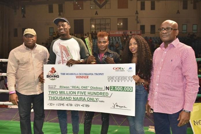 """Rilwan 'Real One' Oladosu beat Kehinde """"Ijoba"""" Badmus at GOtv Boxing Night 13 to win N2.5 million"""