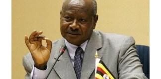 President Yoweri Museveni of Uganda will pay civil servants daily