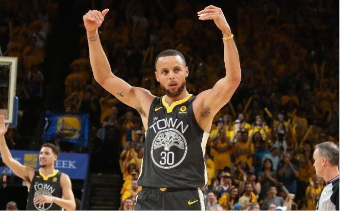 Steph Curry posted 33 points as Warriors won Game 2 of NBA Finals against Cavs at the Oracle Centre