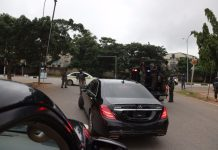 Droves of policemen barricade the homes of Senator Saraki and Ekweremadu in what has been described as a political witch hunt