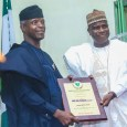 Governor Aminu Tambuwal of Sokoto presented a plaque to Vice President Yemi Osinbajo on behalf of Barewa Old Boys Association