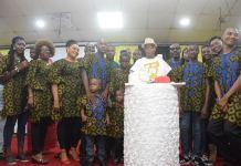 Louis Zulu Onwordi with his children and grandchildren