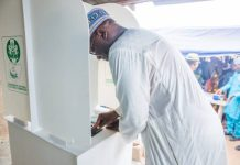 Abdulrahman Abdulrazak votes in Ilorin, Kwara as he delivers unit to Buhari