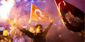 Opposition CHP supporters celebrated in Istanbul