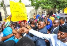 Vice President Yemi Osinbajo shakes Bauchi residents during an official visit to the state