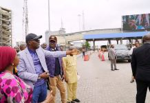 Governor Babajide Sanwo-Olu inspecting traffic at the Lekki toll gate