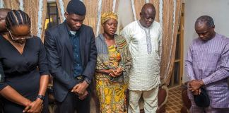 Vice President Yemi Osinbajo with the parents and siblings of Precious Owolabi
