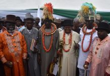 Pic.1. From third right: Minister of State for Petroleum Resources, Chief Timipre Sylva; King Kroma Eleki, Chairman of Kula Supreme Rulers/Member, Rivers State Council of Traditional Rulers; Mele Kyari, Group Managing Director of the NNPC and other traditional rulers during the joint visit of stakeholders to Oil Mining Licence (OML) 25 communities and its facilities in Rivers on Saturday (28/9/19). 06391/28/9/2019/Jones Bamidele/NAN