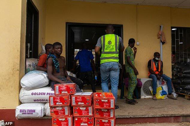 Food aid at a Lagos warehouse during lockdown