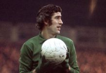 Peter Bonetti playing for Chelsea in 1970 - the year they won the FA Cup